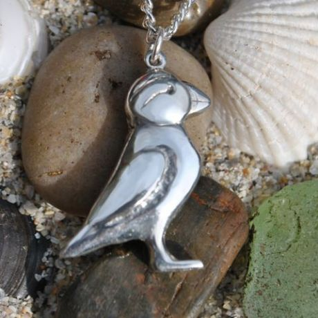 Small Puffin pendant P115